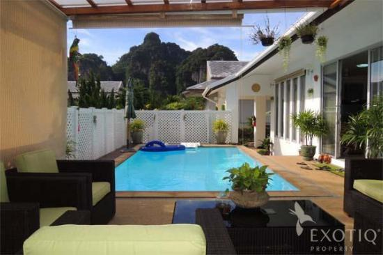 3-Bed Pool-Villa