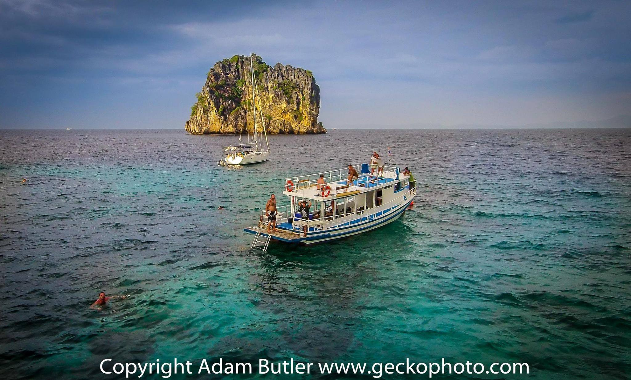 Private Boat tour to 4 Islands